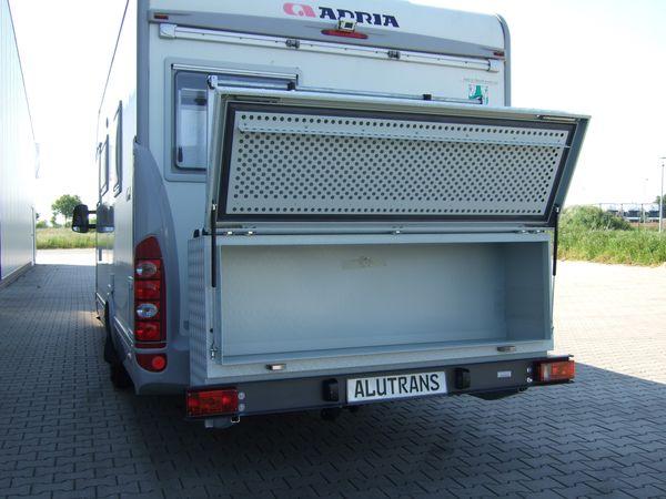 diese aluminium transportbox xl ist mit ca 35 kg eine. Black Bedroom Furniture Sets. Home Design Ideas